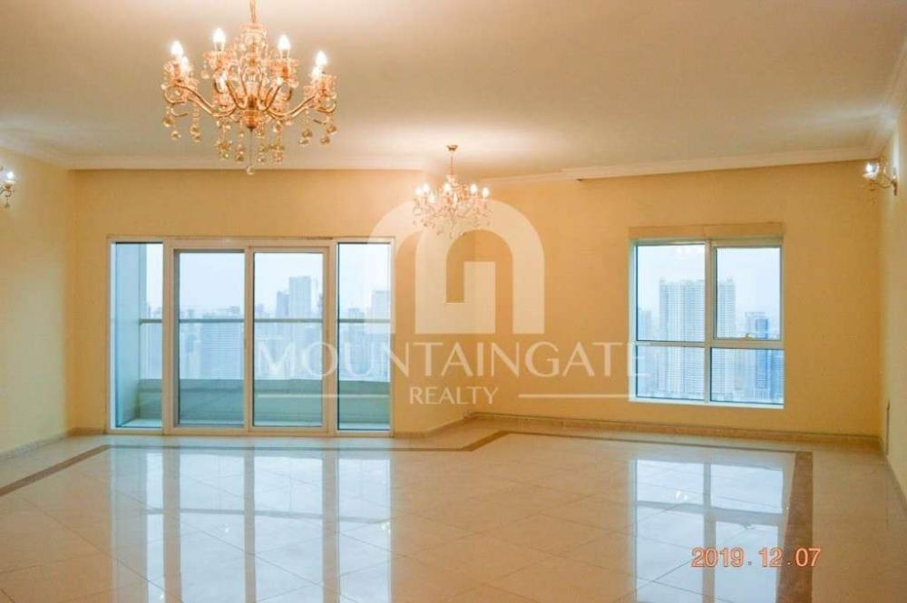 Sea View luxurious Spacious Flat In Al Khan