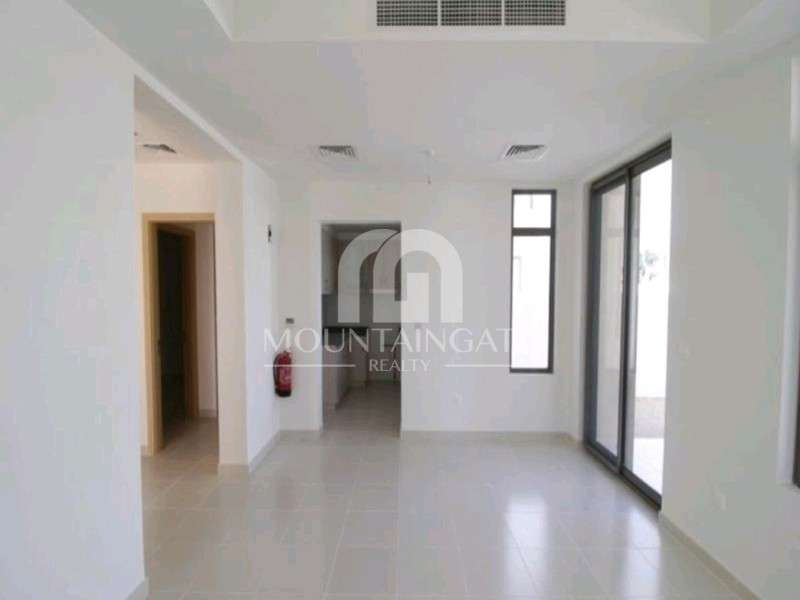 Single row Type F|3 Bed Opposite Park and Pool